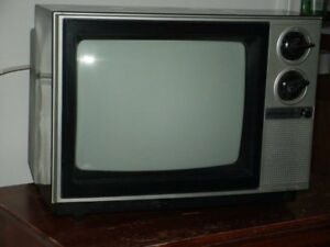 Looking for Old Hitachi Color TV (PICTURED)