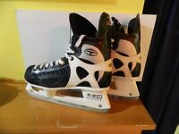 CCM Tacks Z52 size 9.5 in very good condition