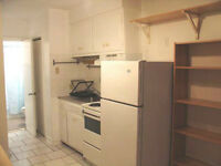 1.5/Furnished Studio/Bachelors/Downtown Montreal/Laundry in Bui