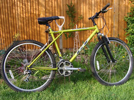 GT Outpost Trail, 1990's, metallic green, CR-MO, RST 261 front forks, 519 wheels, Shimano Acera M330