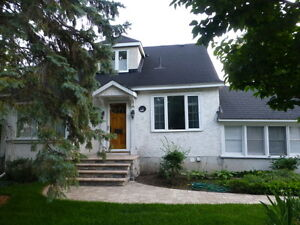 Spacious 2 Bdrm plus Den Family Home in Westboro/McKellar Park