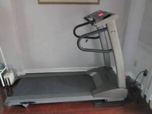VISIONS FITNESS TREADMILL T9200 FOR SALE
