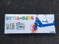 **BRAND NEW** kids light up scooter, perfect for christmas