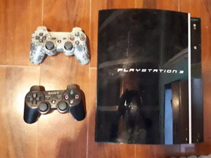 250GB PS3 14 games, 2 controllers