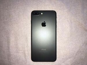 Unlocked 128GB iPhone 7 Plus with Warranty until August 2019