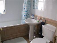 Must go! 3 bedroom flat in earlsfield, 1950! 3rd march