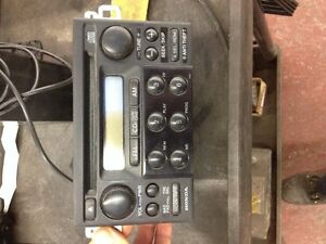 1999 to 2002 accord radio and CD player