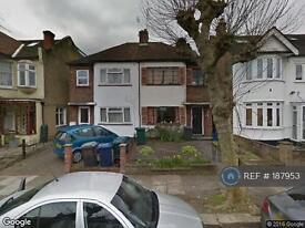 1 bedroom flat in Fallowcourt Avenue, London , N12 (1 bed)