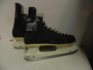 -Men's Ice Skates size 12 CCM Competitor