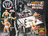 WWE wrestling Spring ring with 2 figures