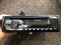 Pioneer DEH 3400UB stereo with front USB and aux port
