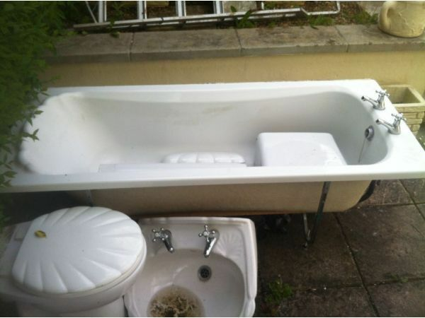 Shell Shape Bathroom Suite In St Annes Bristol Gumtree
