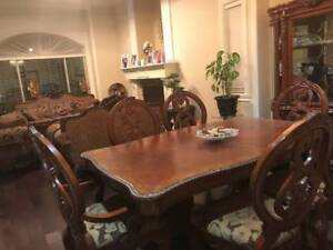 10 Dining Room Suite Display Cabinet With Table And 6 Chairs