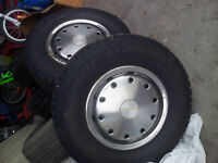 225/75/R15 Studded Winter Tires -- Great Condition