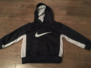 Boys 2T Nike Therma-Fit hoodie- EUC-$10