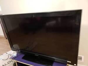 "Samsung LCD a530 series TV 52"""