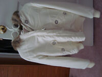 GUESS CREAM PUFFER JACKET WITH FUR HOOD (Size: XL)
