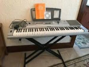 Clavier Yamaha Grand Portable DGX-230 (Stand,Guide, Ac Adapter)