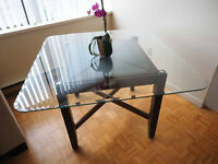 ~~~MOVING SALE~~~ - Beautiful Glass Dining Table
