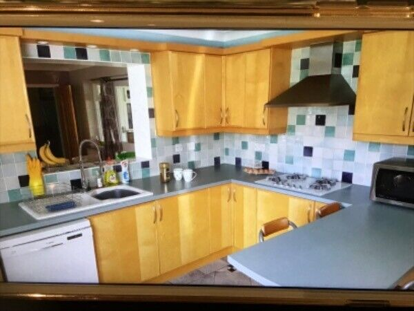 A Large Used Complete Kitchen In Good Used Condition Including All Appliances Delivery Possible In Luton Bedfordshire Gumtree