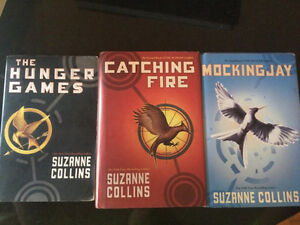 The Hunger Games Trilogy Book Set Gatineau Ottawa / Gatineau Area image 1