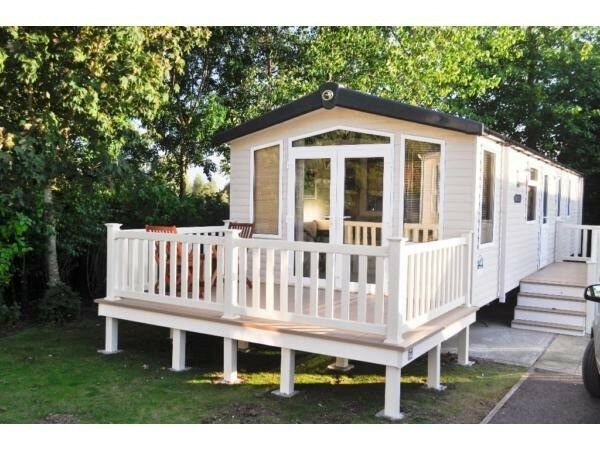 Weymouth Bay Private Caravan Hire - Sleeps 4 - Non smokers only - Whitsun Bank Holiday Week