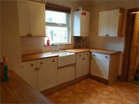 An amazing One bedroom flat with a separate living area & PRIVATE GARDEN ! ***