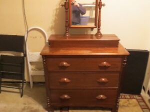 Antique Soild Wood Chest of Drawers