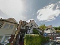 1 bedroom flat in Fitzwarren Gardens, London, N19 (1 bed)