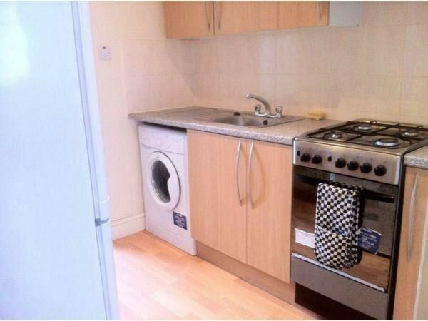 Immaculate room - Available now to rent in Central London