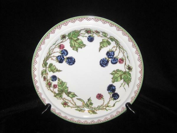 "GOEBEL BROMBEERE 7.75"" SALAD PLATE~RASPBERRIES~BLACKBERRIES~GREEN BAND~EUC"