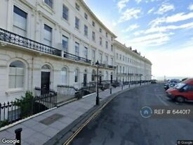 3 bedroom flat in Adelaide Crescent, Hove, BN3 (3 bed) (#644017)
