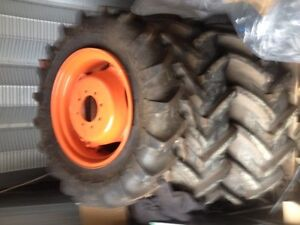 For sale 4Michelin Agrigrip tires and RIMS