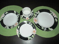 5-piece place settings of Black Magic Fine China of Japan