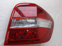 MERCEDES BENZ ML350 ML63 ML550  2011  REAR RIGHT TAIL LIGHT LED