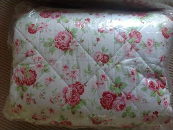 rare cath kidston for ikea rosali reversible quilt bedspread throw shabby chic 2 available. Black Bedroom Furniture Sets. Home Design Ideas