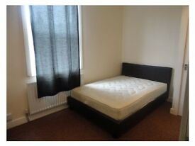 **ATTENTION TO BOTH MATURE STUDENTS & PROFESSIONALS* SPACIOUS SINGLE & DOUBLE ROOMS TO LET NEAR TOWN