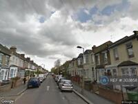 4 bedroom house in Leyton, London, E10 (4 bed)