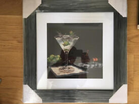 FRAMED PICTURE OF COCKTAIL GLASSES