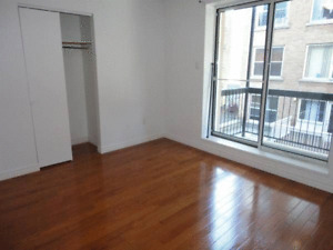Room in Apartments For Rent! Steps from Concordia University!