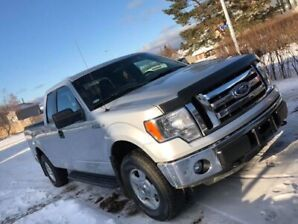 2011 Ford F-150 less than 100,000kms!!