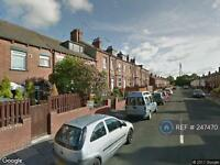 4 bedroom house in Longroyd Grove, Leeds, LS11 (4 bed)