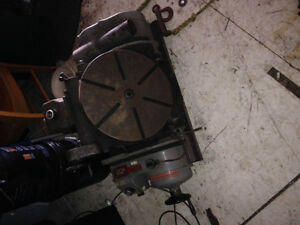 Table rotative (Rotary table), étaux, outillage