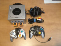 Console Nintendo Gamecube + 8 Jeux + 2 Manettes