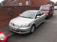 toyota avensis 1.8 petrol in silver 1 owner look
