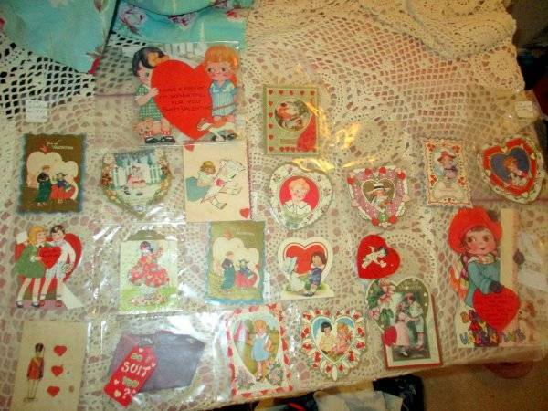 VINTAGE 20 MID CENTURY VALENTINES SOME STAND-UP ALREADY PACKAGED