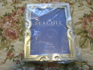 New Collectors white metal photo frame