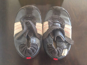 Robeez Baby Shoes - Size 6