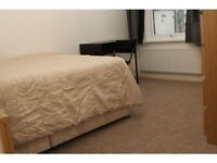 Large Double room for ONE person - Full Sky TV, Fast wirless Fibre Internet & Cleaner twice a month