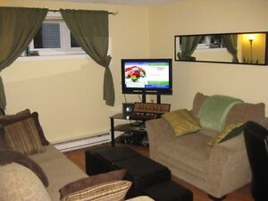 Available Immediately 2-Bedroom Apartment in Cowan Heights! $850